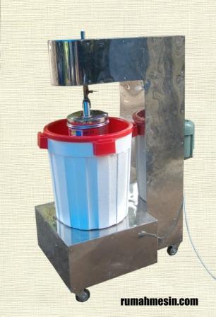 Mesin pembuat es cream adalah alat untuk memproses es cream dengan